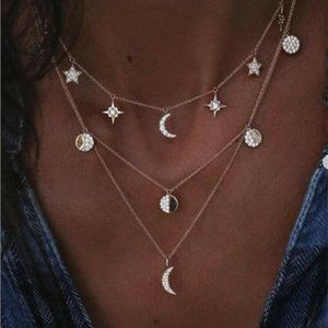 Jewelry - NWOT Gold Rhinestone Moon & Stars Layer Necklace